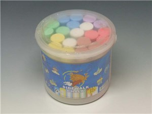 das 20pce SIDEWALK CHALK in BUCKET